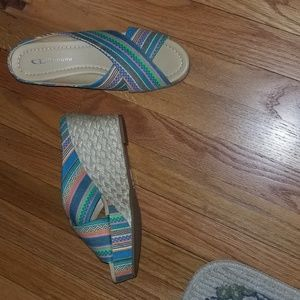 Chinese Laundry Wedges, size 8.5